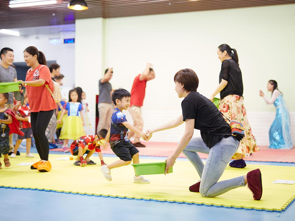 深圳梦幻派对联合娃娃汇和兔子先生 举办迪士尼主题活动