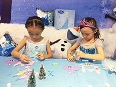 梦幻派对&谜堂亲子餐厅 为宝贝举办了一场冰雪奇缘主题派对!